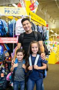 Mario Lopez With Kids