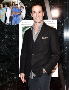 Noah Wyle Says ER Cast Hangs Out All the Time