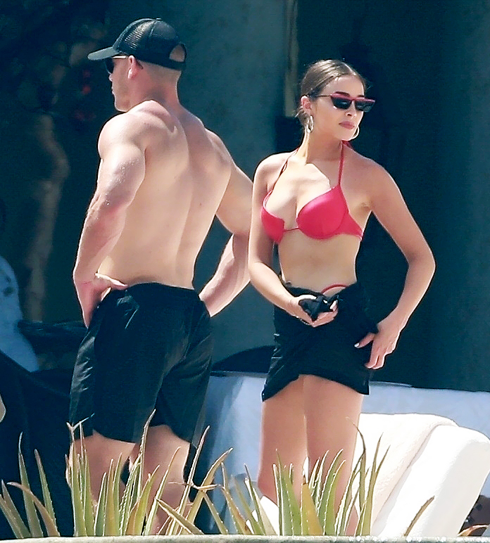 Olivia-Culpo-and-Christian-McCaffrey-in-Mexico-bikini