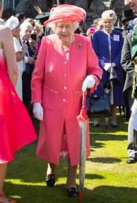 Queen-Elizabeth-pink-dress