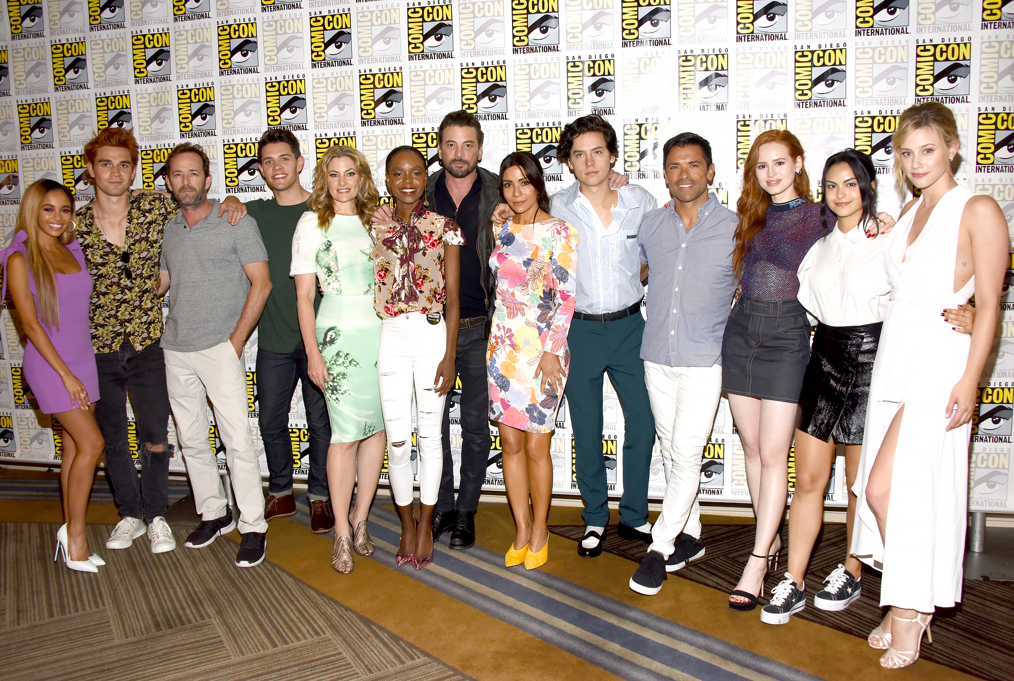 Riverdale-cast-honors-Luke-Perry-filming-Season-4