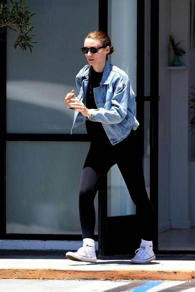 Rooney Mara engagement ring