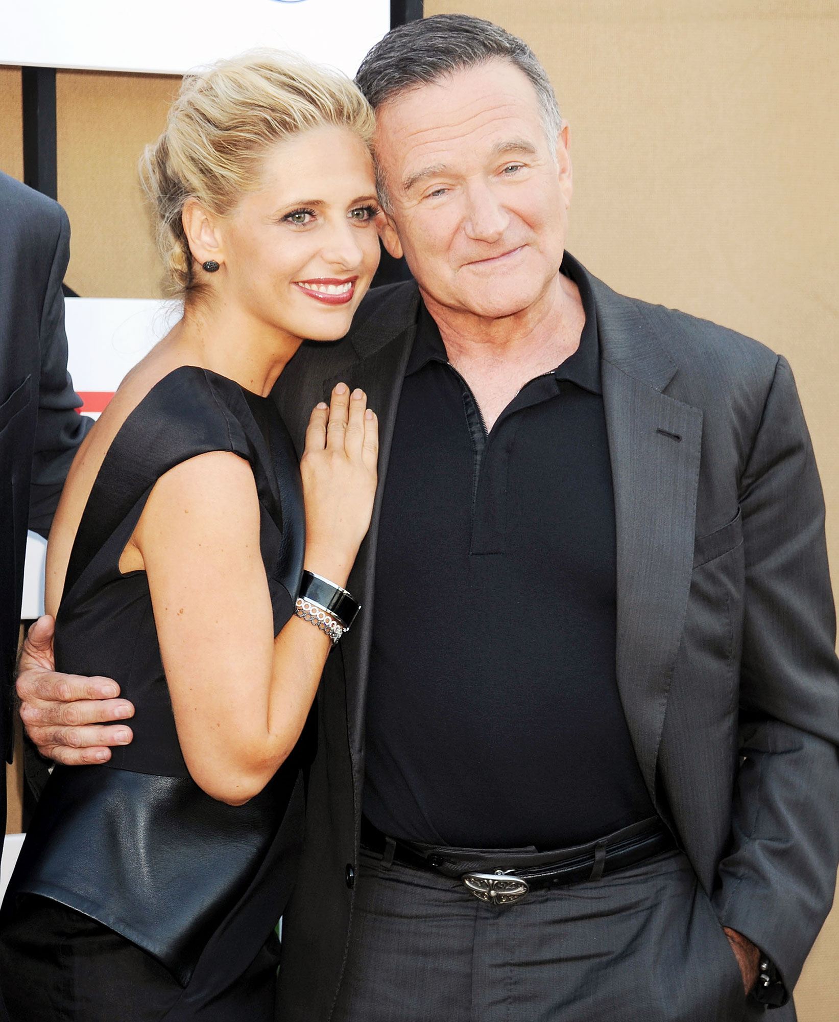 Sarah Michelle Gellar and Robin Williams attend the CBS/CW/Showtime Television Critic Association's Summer Press Tour Party Sarah Michelle Gellar Introduces Her Kids to Mrs Doubtfire on Robin Williams 68th Birthday