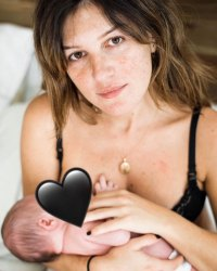 Shenae Grimes-Beech Breast-Feeding