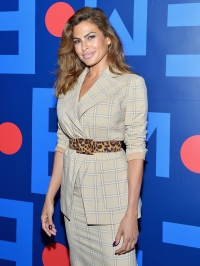 Stars Who Can Be Small Spenders Eva Mendes