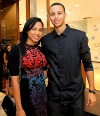 Stephen-and-Ayesha-Curry-meet