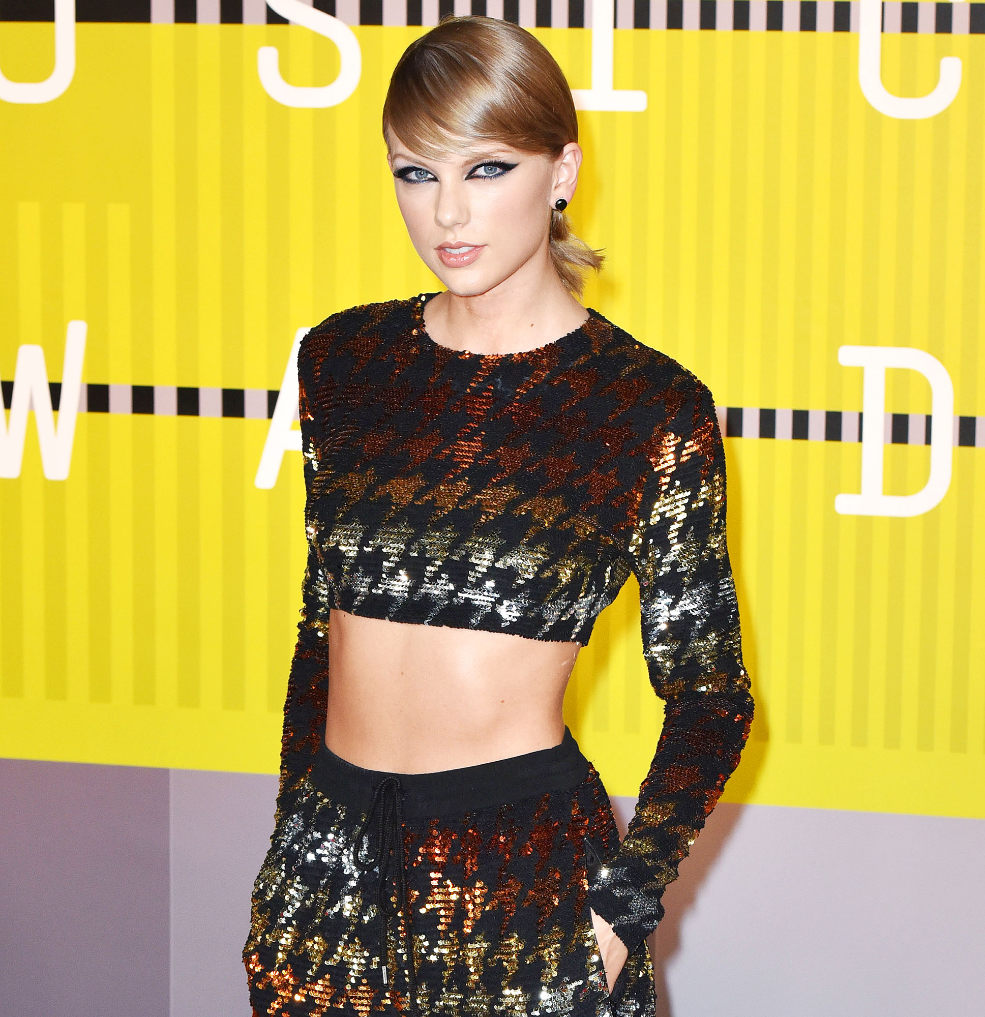 Taylor Swift Arrives to the 2015 MTV Video Music Awards Never Had the Opportunity to Purchase Her Masters Outright With a Check
