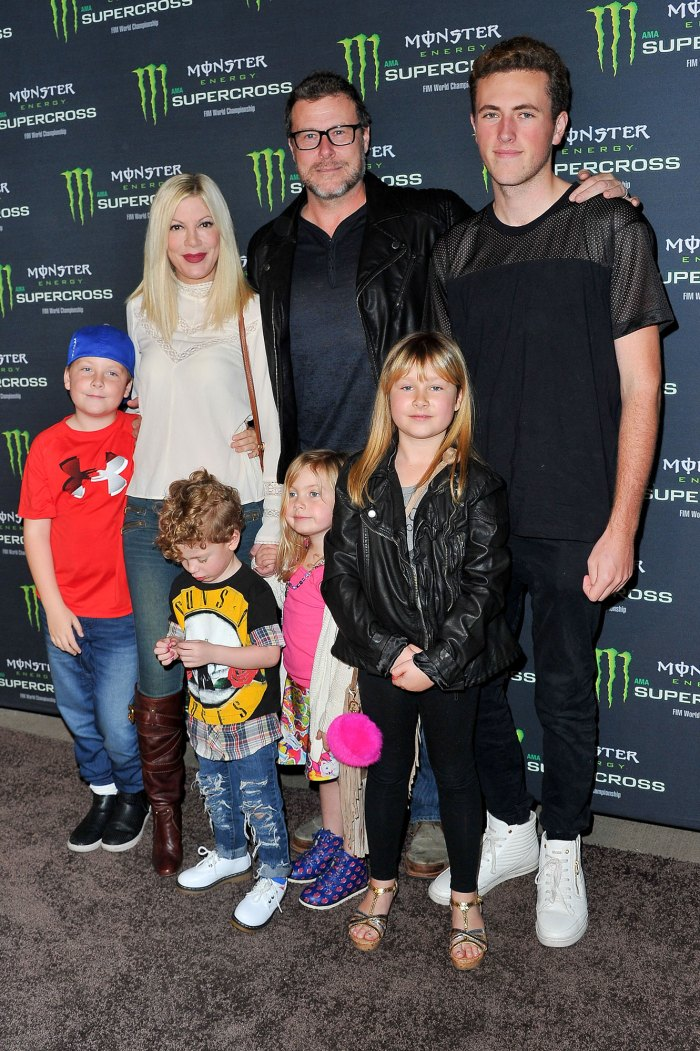 Tori Spelling, Dean McDermott and their kids