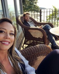 Vanessa Lachey and Jason Priestly BH90210