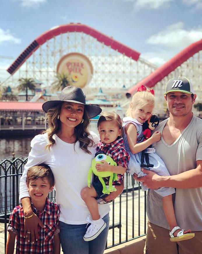 Vanessa Lachey and Nick Lachey and Family Disneyland