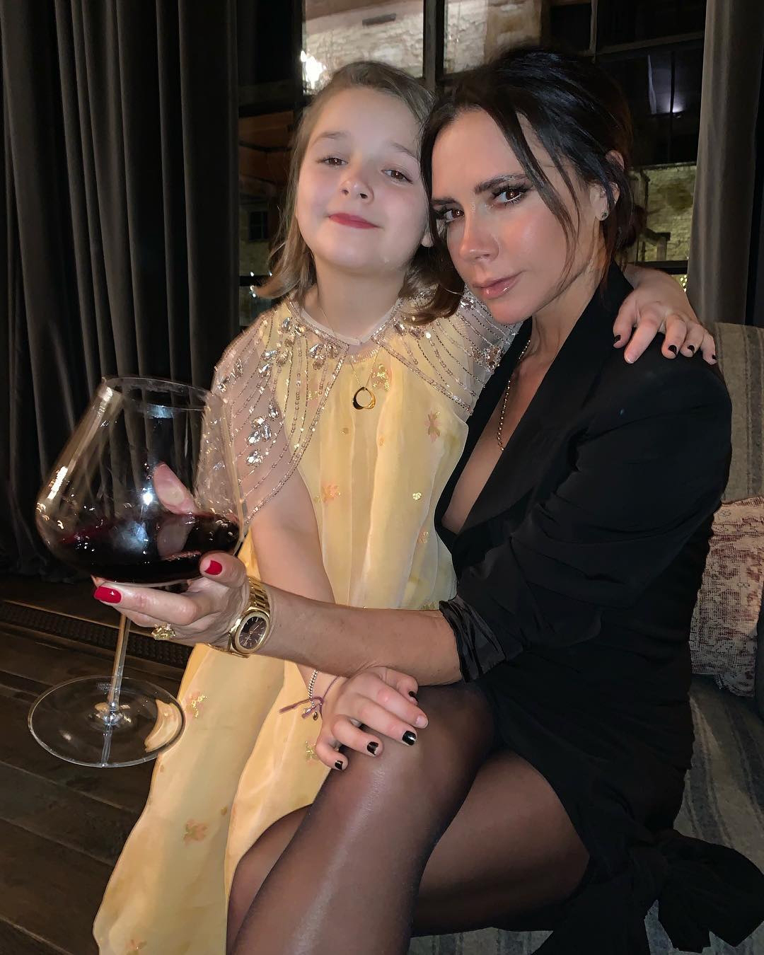 Mini Posh Victoria Beckham S Daughter Harper Mimics Spice Girl Mom In Pic Wstale Com