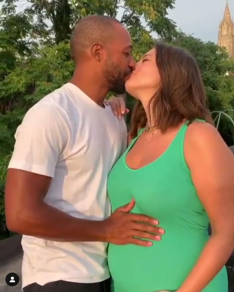 Ashley-Graham's-Baby-Bump