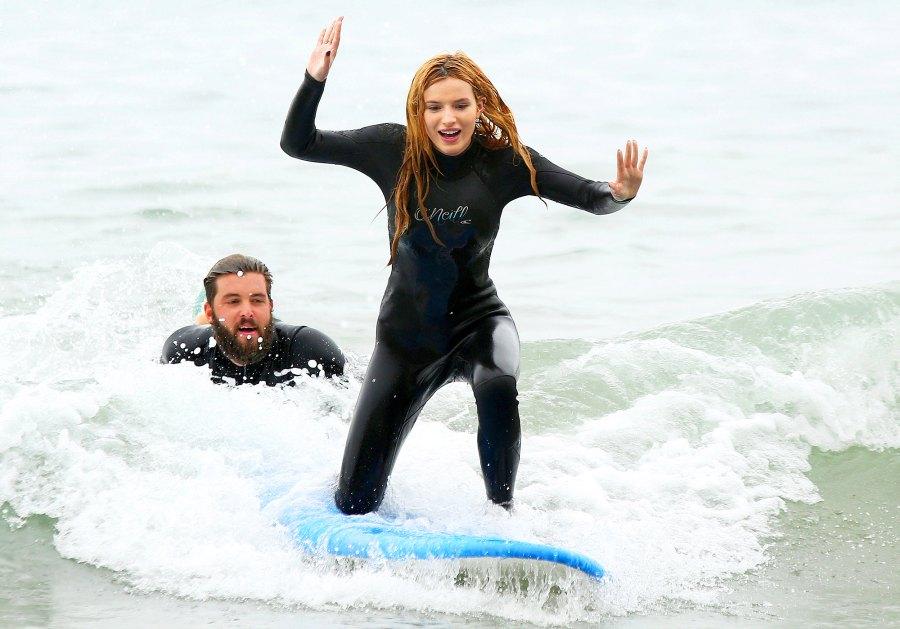 Bella-Thorne-surfing