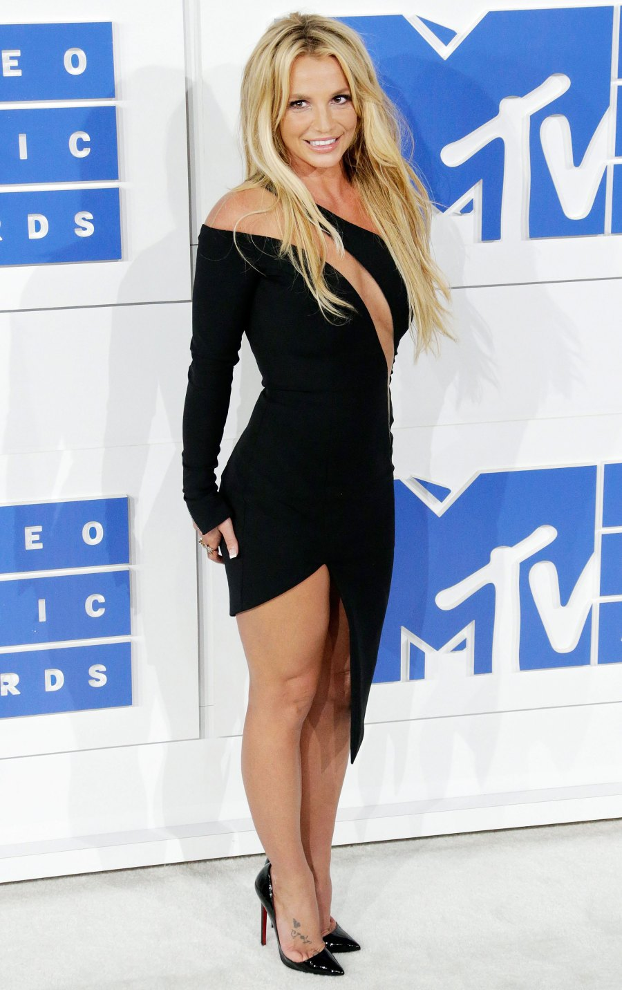 Britney-Spears-VMA-Looks-2.jpg?w=900&qua