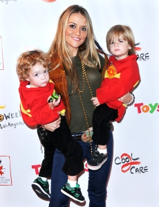 Brooke Mueller Sons Are Staying With Their Grandparents As She Seeks Help