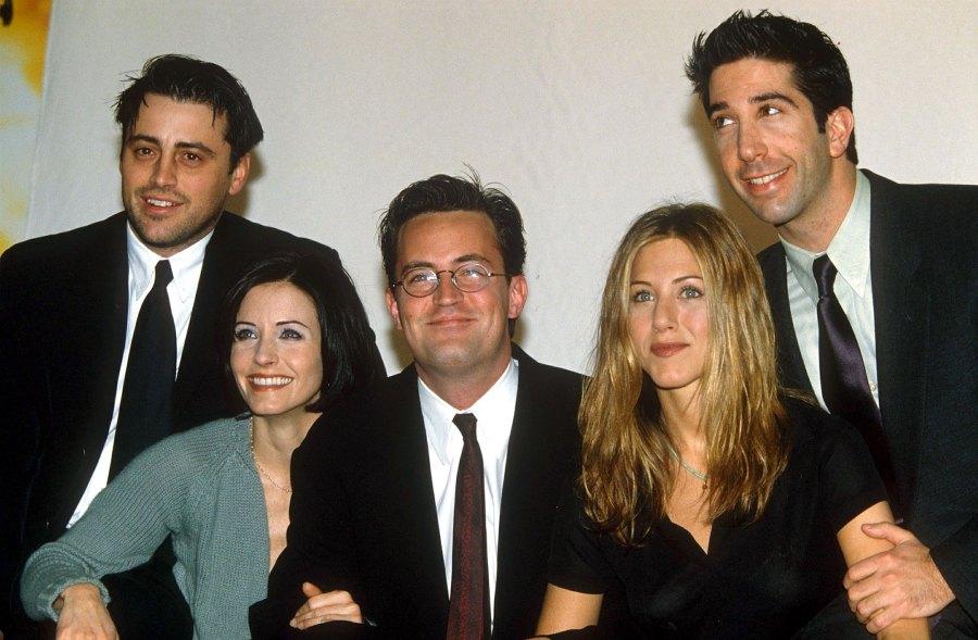 Cast of Friends Jennifer Aniston, Courteney Cox, Matt LeBlanc, Matthew Perry, David Schwimmer Chandler Bing Was the Best Character