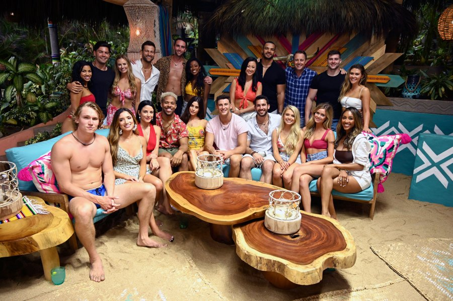 Chris Harrison Shades 2 'Bachelor in Paradise' Contestants: 'Not Really Sure Who That Is'