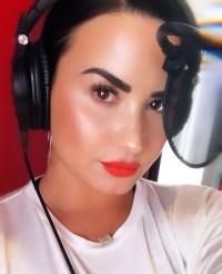 Demi-Lovato-making-music