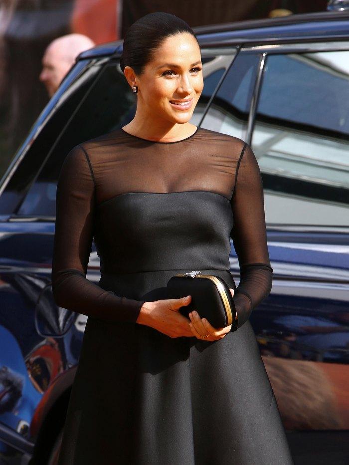 Duchess-Meghan-post-baby-body-lion-king-premiere