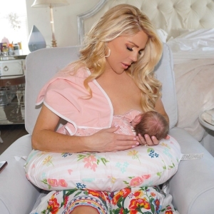 Gretchen Rossi Breast-Feeding