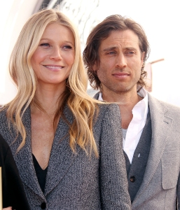 Gwyneth Paltrow Moves in With Brad Falchuk