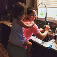Jenelle Evans Summer With Kids Doing Dishes