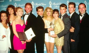 Jennie Garth Luke Perry Was With Us Every Second While Filming BH90210