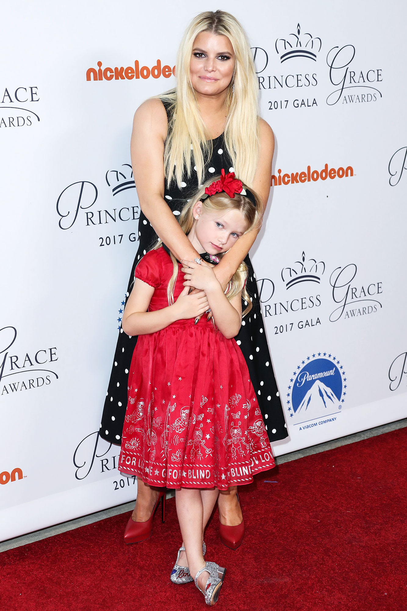 Jessica Simpson Is Mom-Shamed for Dyeing 7-Year-Old Daughter Maxwell's Hair
