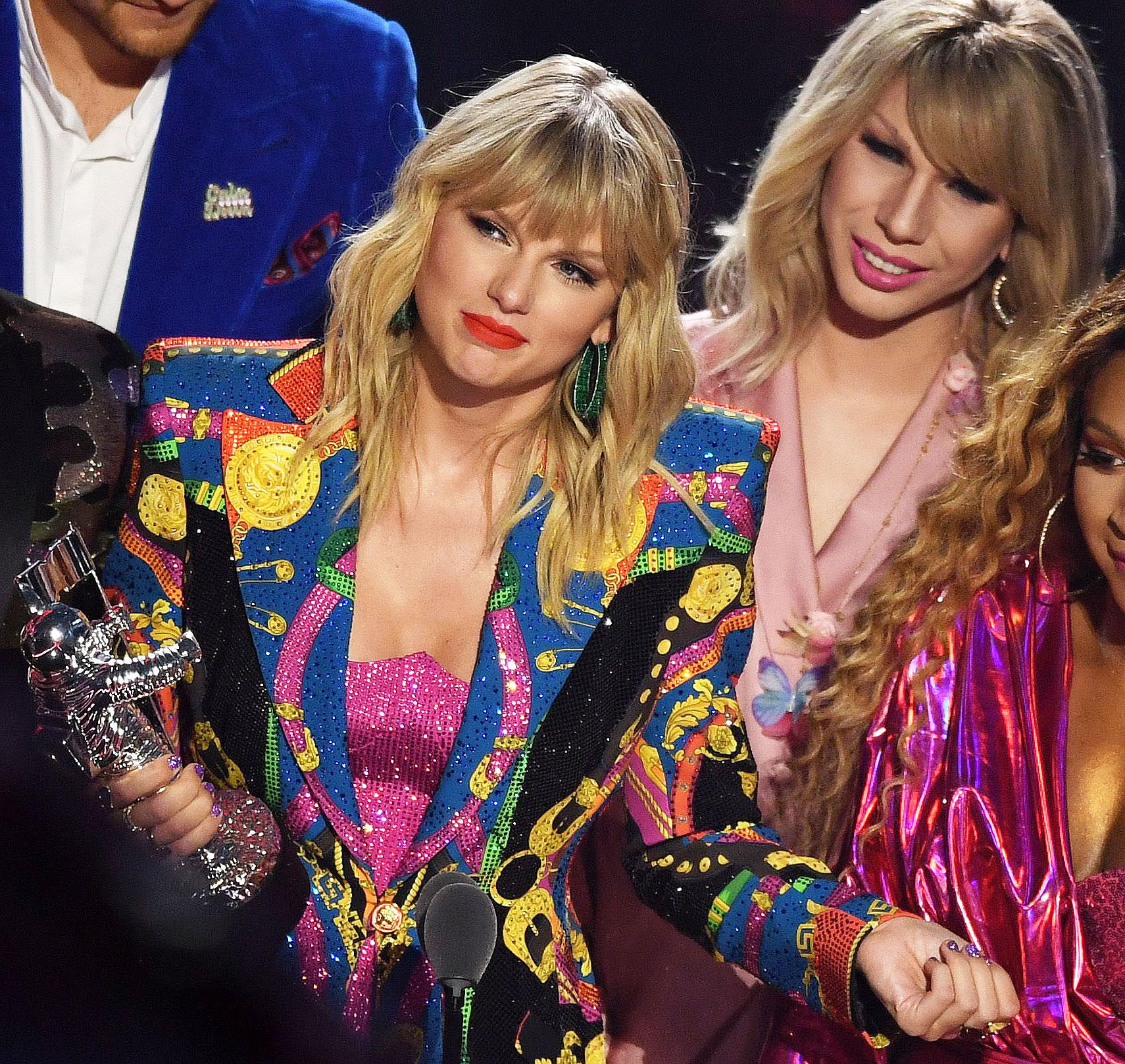 John Travolta Mistakes RuPaul's Jade Jolie for Taylor Swift at VMAs