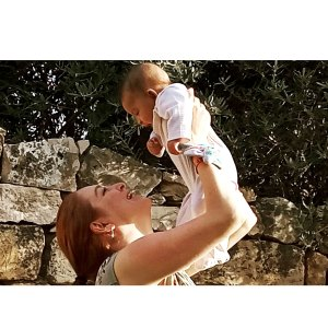 GOT Josephine Gillan Claims Her Baby Was Kidnapped Israeli Social Services