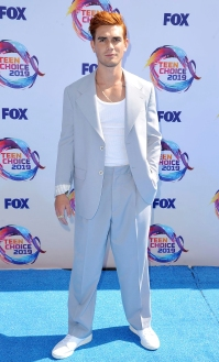 KJ Apa Teen Choice Awards 2019