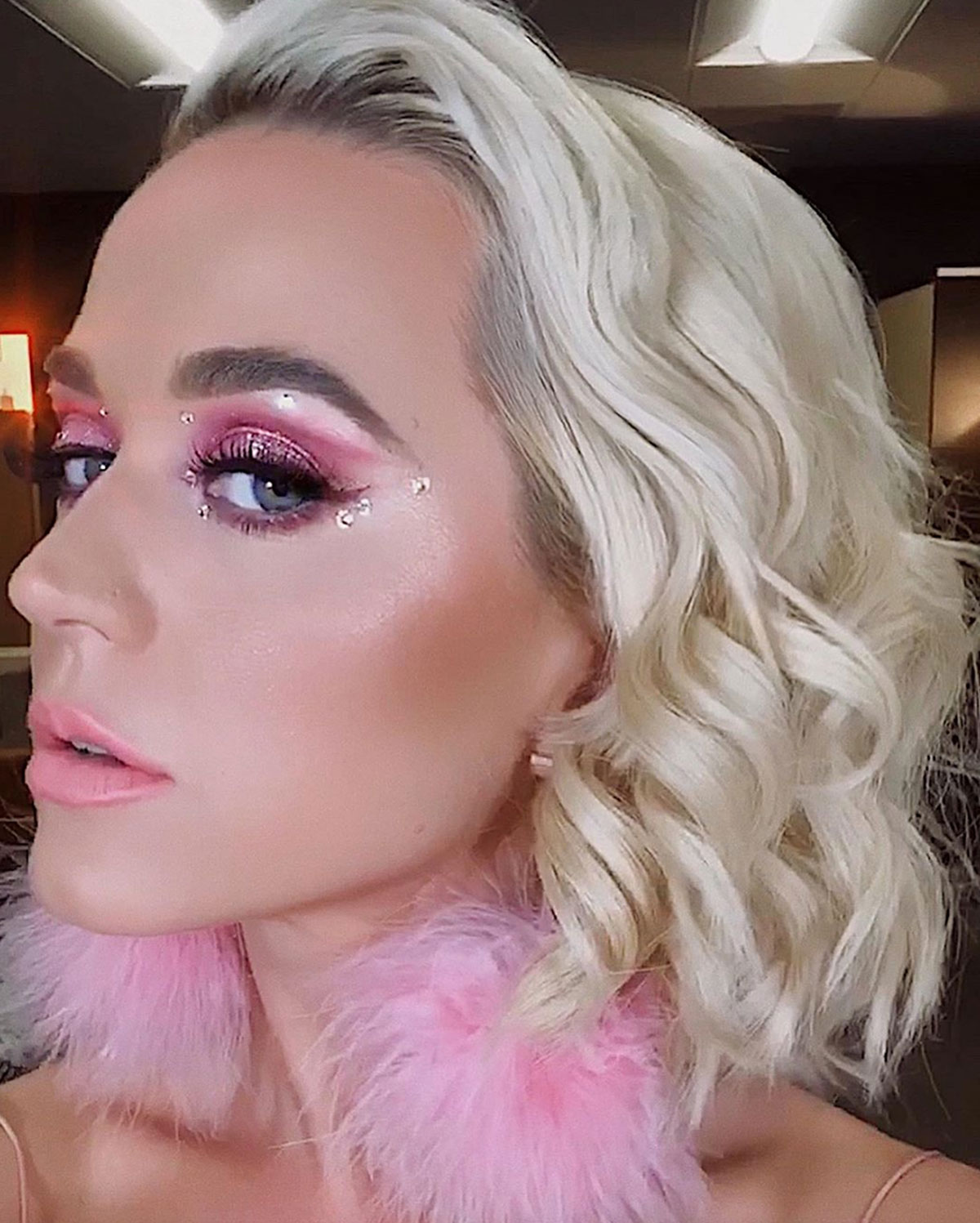 Katy Perry S Euphoria Inspired Makeup Look With Crystals Pics