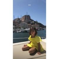 Kourtney-Karashian-summer-vacation-with-kids