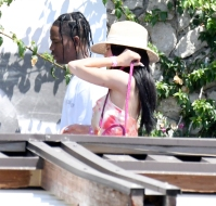 Kylie-Jenner-Vacations-Italy-Travis-Scott-and-Family-Birthday
