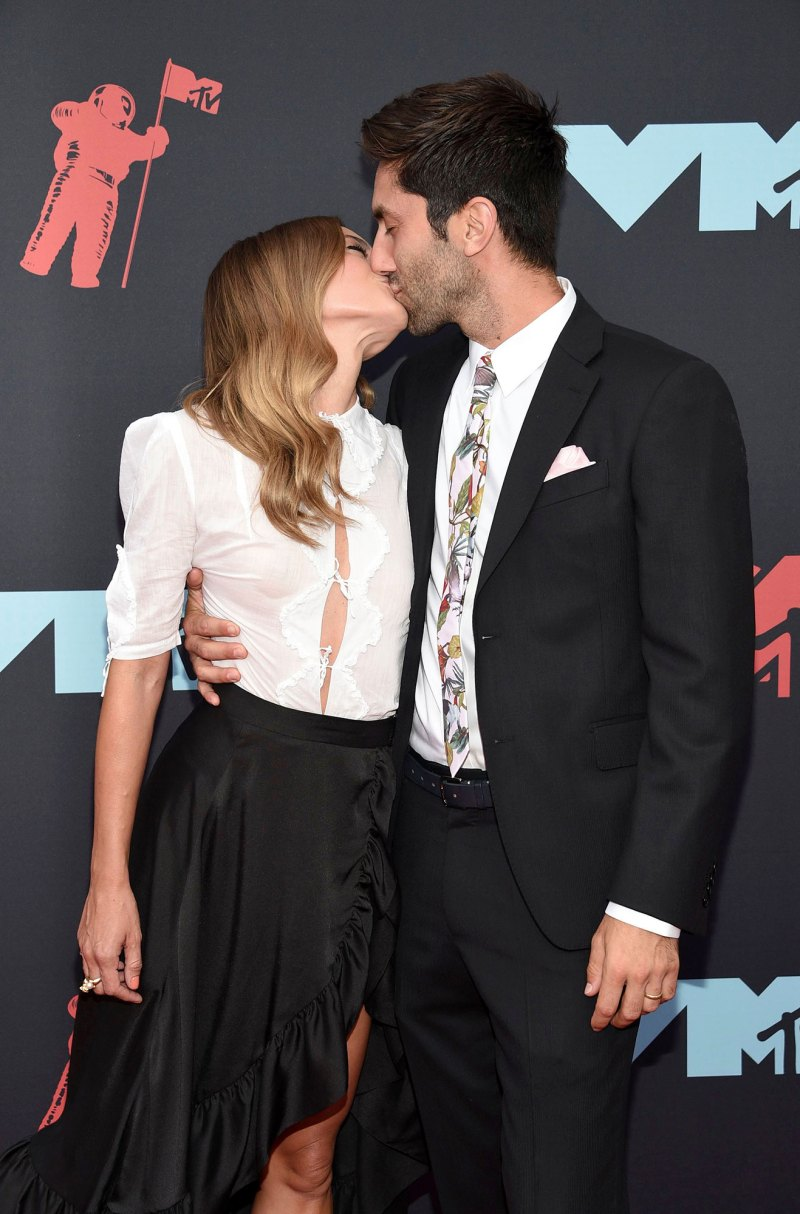 Image result for Nev and laura schulman vmas 2019