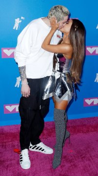 Pete Davidson and Ariana Grande MTV VMA Couples Who Made Red Carpet Debut