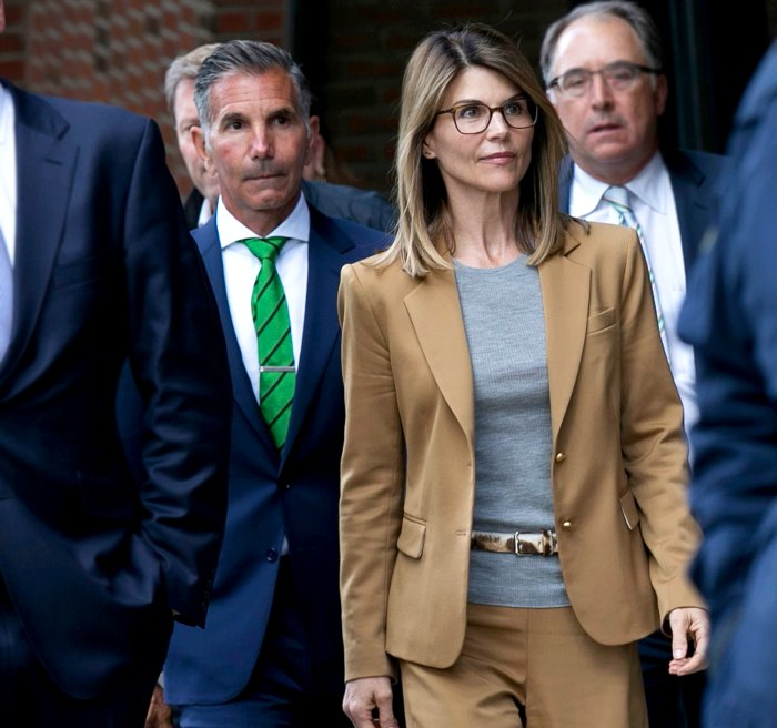 Lori-Loughlin,-Mossimo-Giannulli-in-Court-for-Conflict-Over-Lawyers