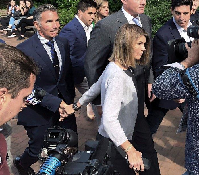 Lori-Loughlin-Mossimo-Giannulli leaving court