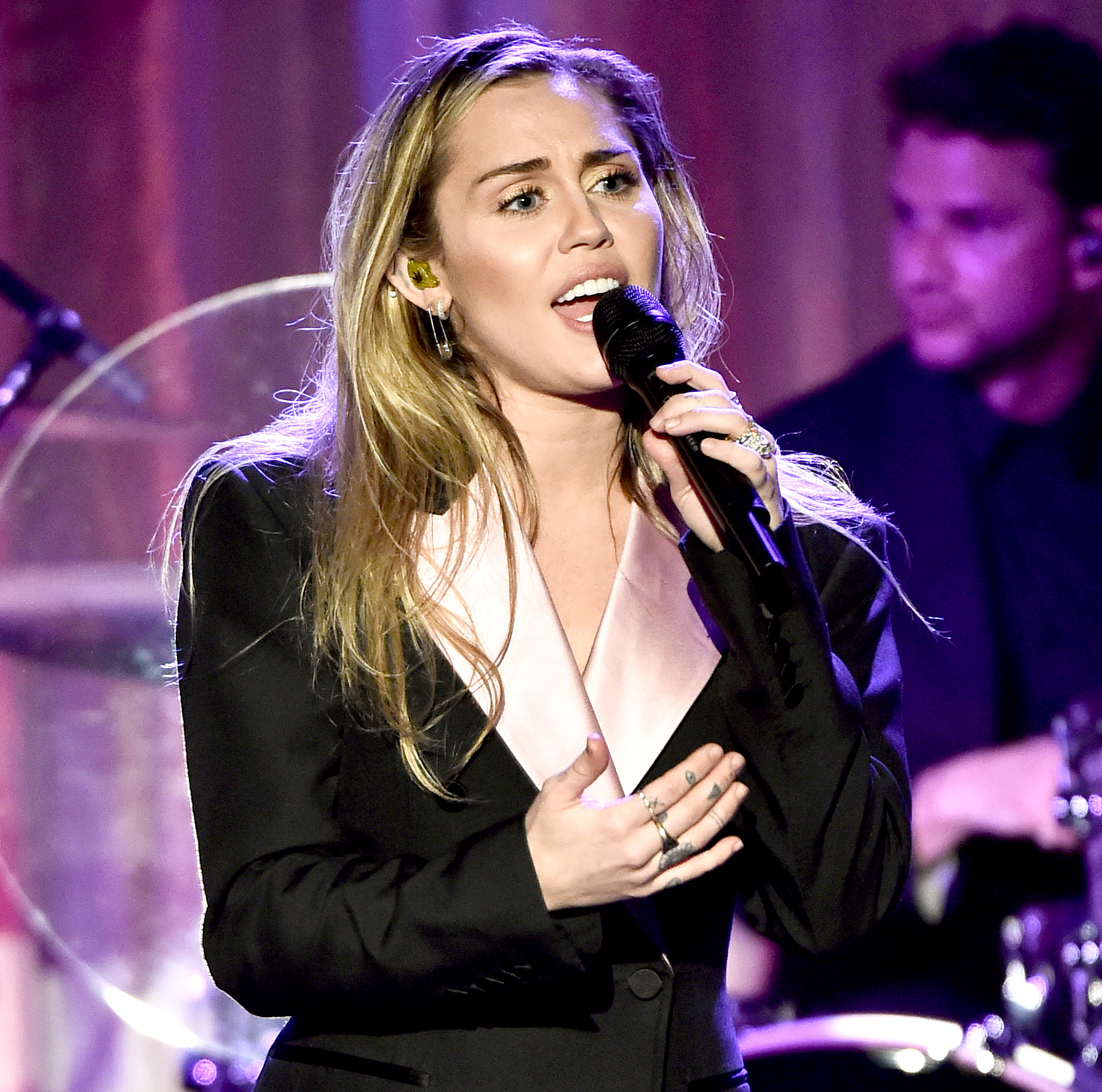Miley-Cyrus-Shares-Her-Heartbreak-on-New-Song-Slideaway