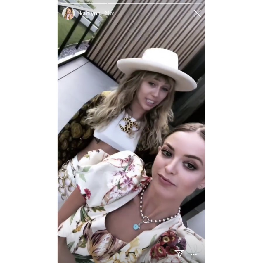 Miley-Cyrus-and-Kaitlynn-Carter-dating-2