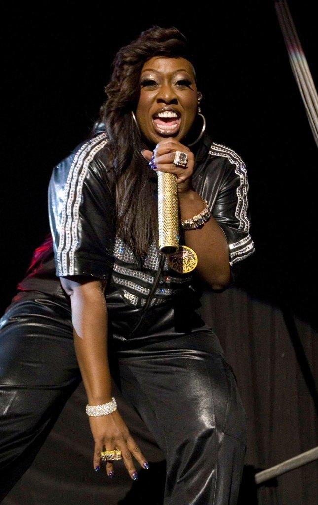 Missy Elliot Performing