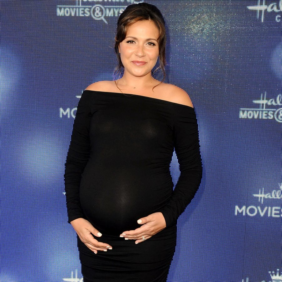 Pregnant Italia Ricci Reveals She's Gained 60 Pounds: 'I Don't Understand'