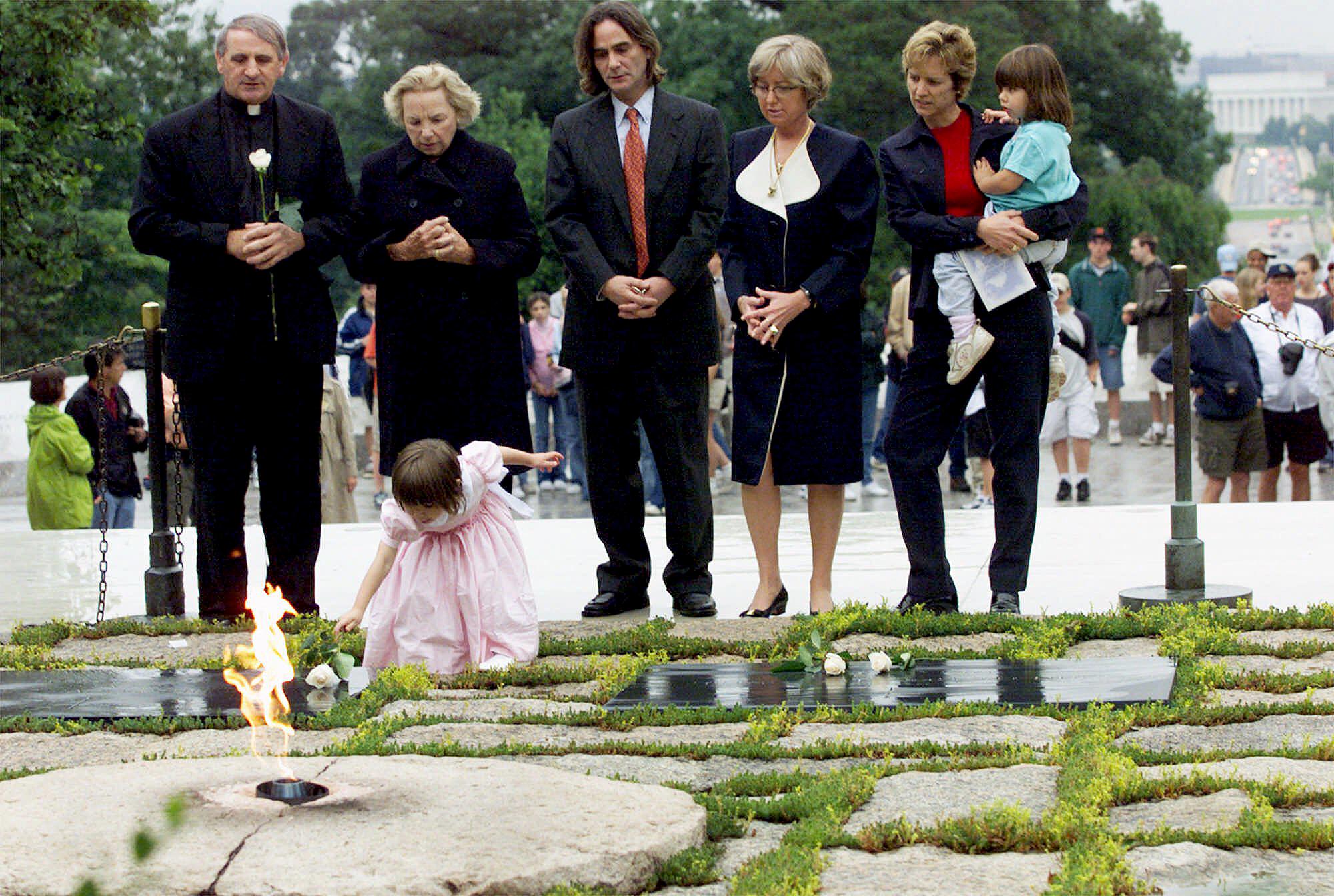 Robert-F.-Kennedy's-granddaughter-Saoirse-Kennedy-Hill-John-F.-Kennedy's-gravesite