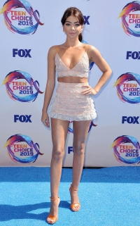 Teen Choice Awards 2019 Red Carpet Fashion: See the Stars' Styles