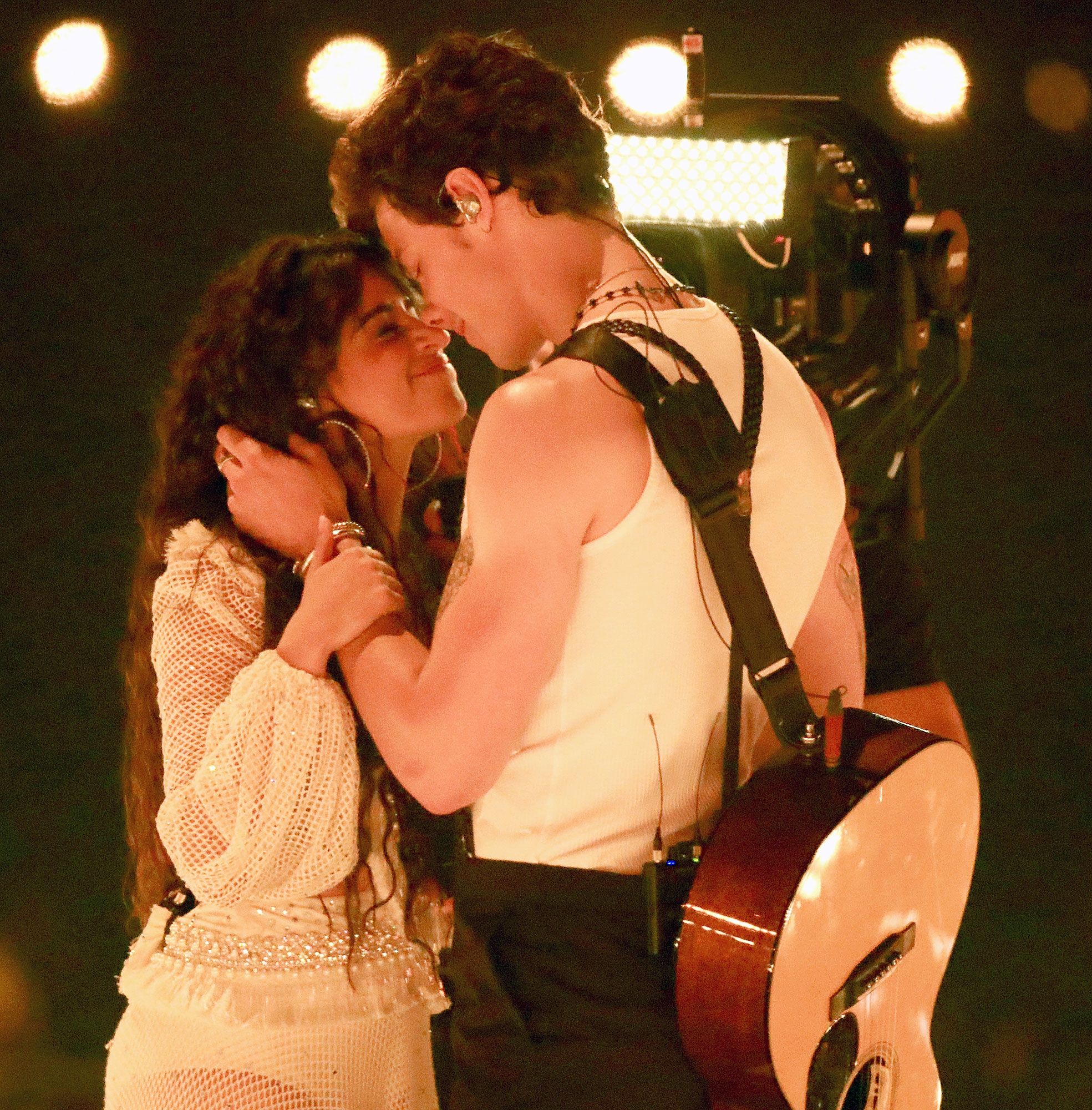 Shawn Mendes and Camila Cabello to Kiss During VMAs 2019 Performance