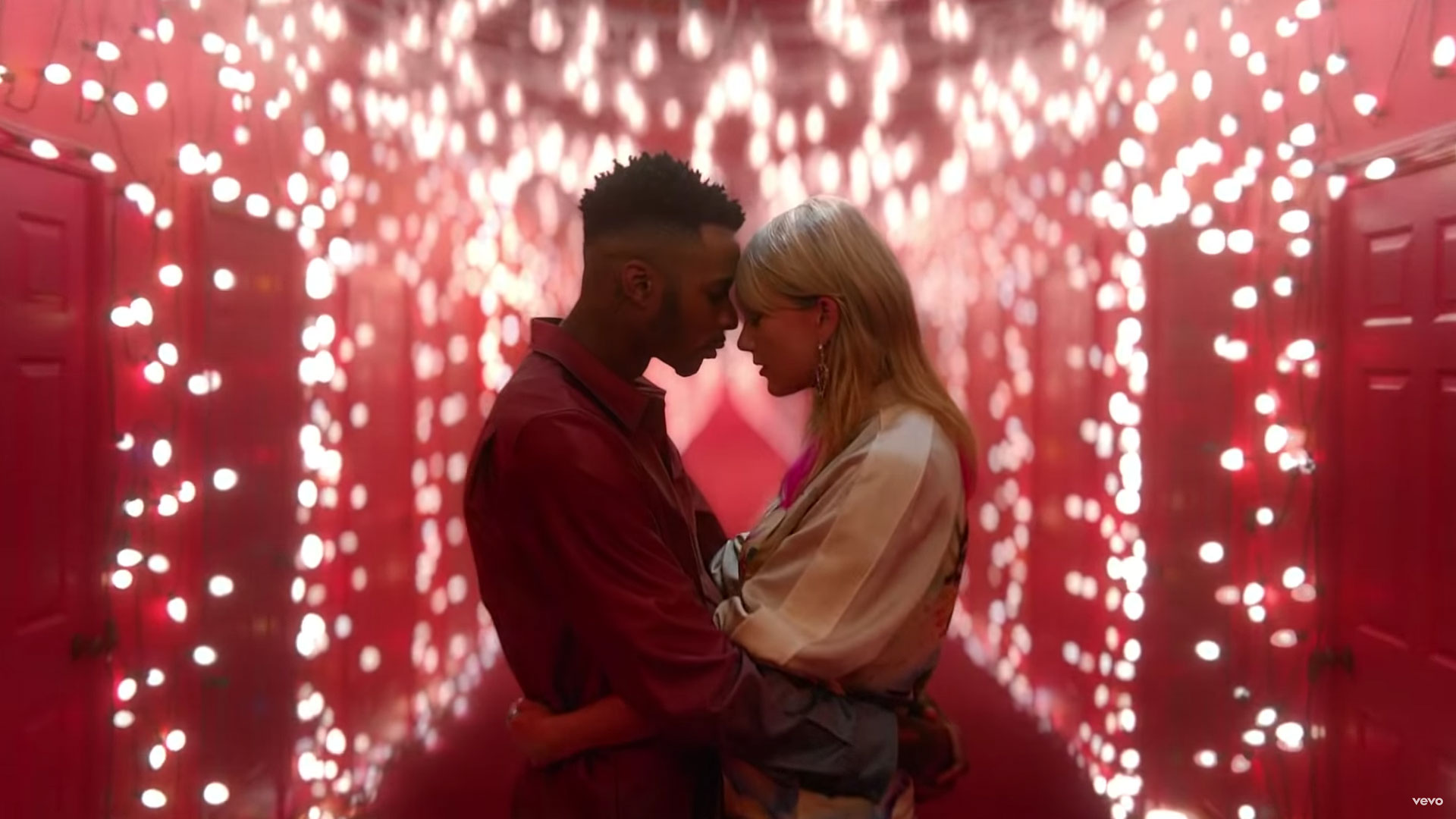 Taylor Swift Drops Romantic 'Lover' Music Video: Watch