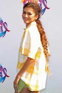 Zendaya Long Braid Teen Choice Awards 2019