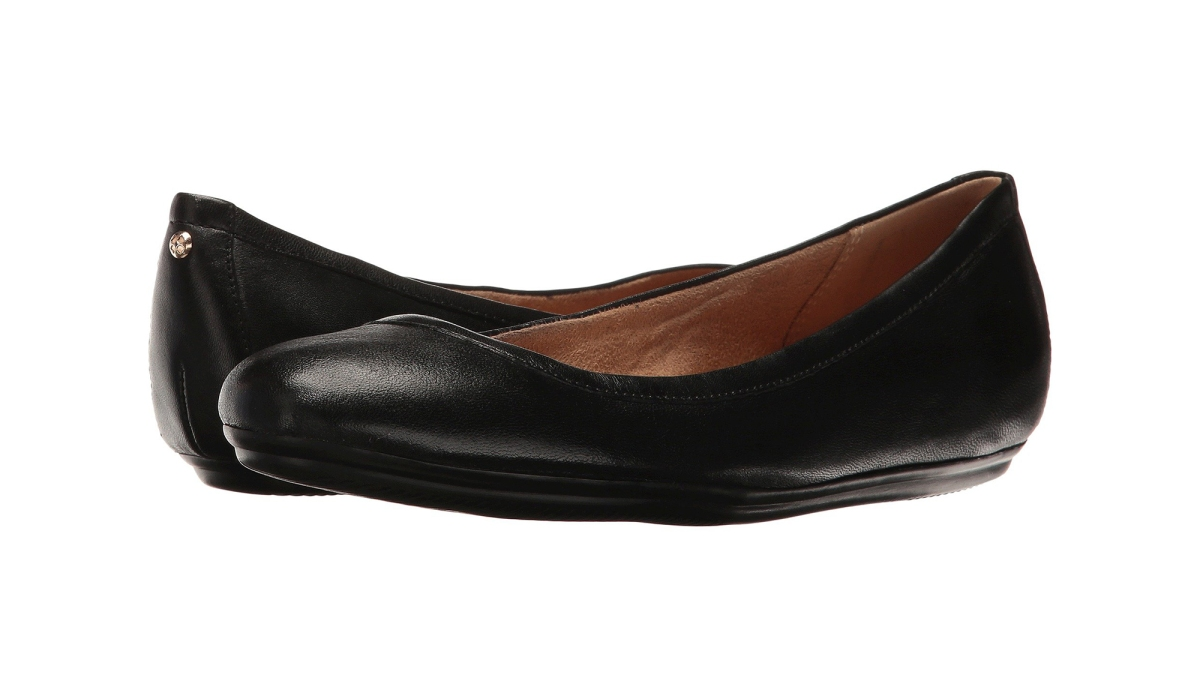These Ballet Flats With Hundreds of Reviews Have a Hidden Secret