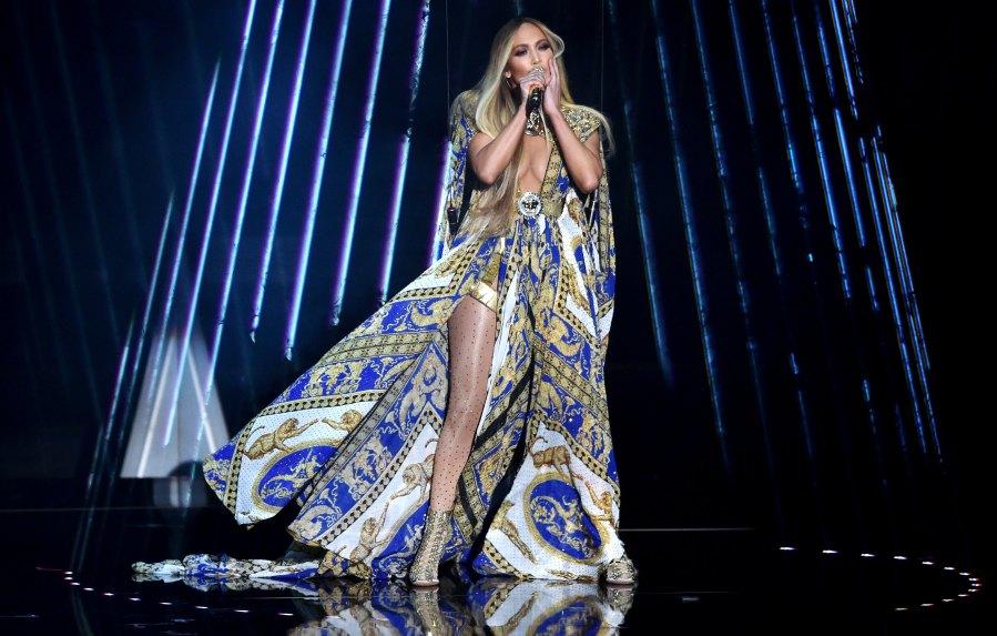 Jennifer Lopez Epic Performance 2018 VMAs Video Music Awards`````````
