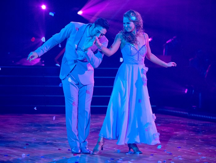 ALAN-BERSTEN-HANNAH-BROWN-performing-on-dancing-with-the-stars